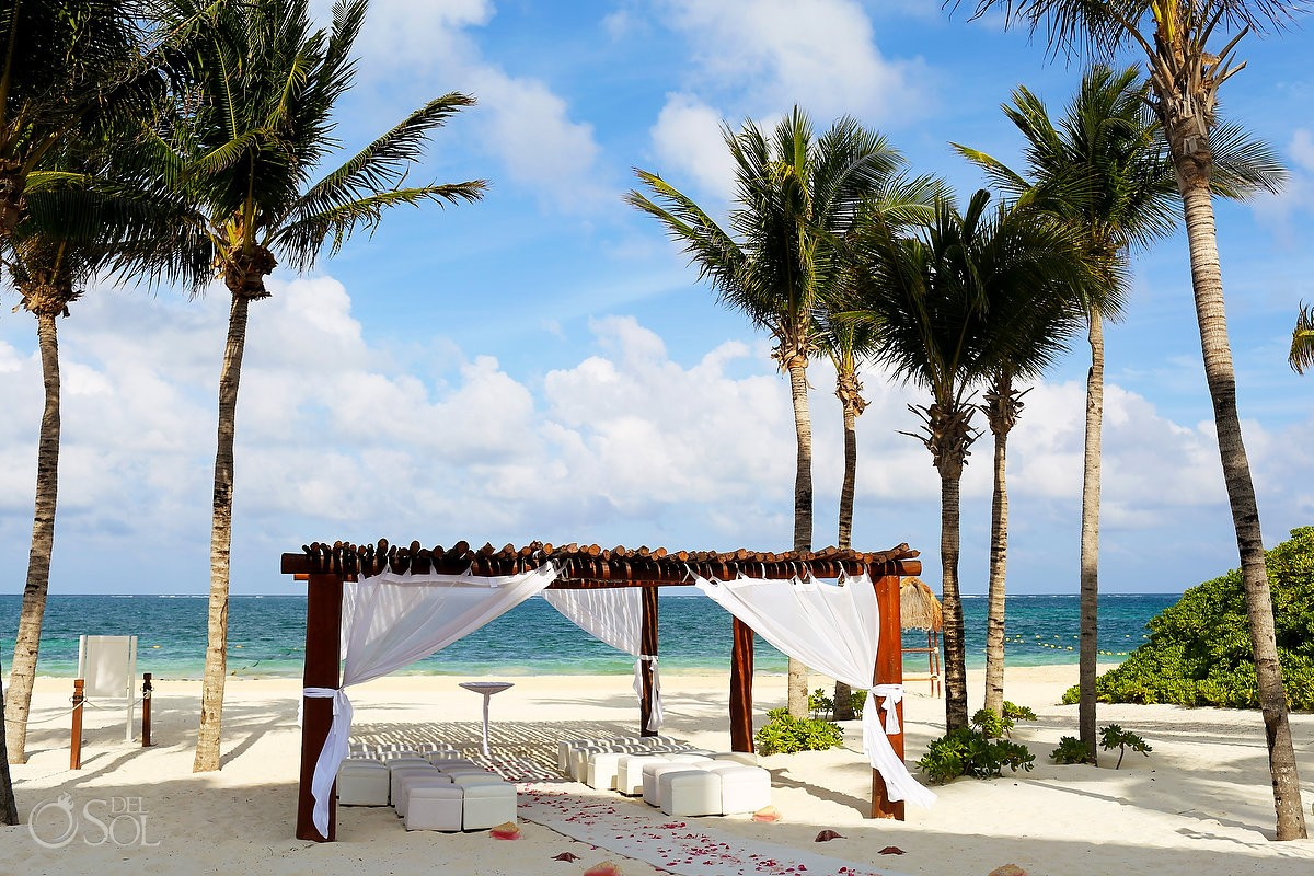 Destination Wedding Excellence Riviera Cancun Sarai And Lamar Beach Gazebo