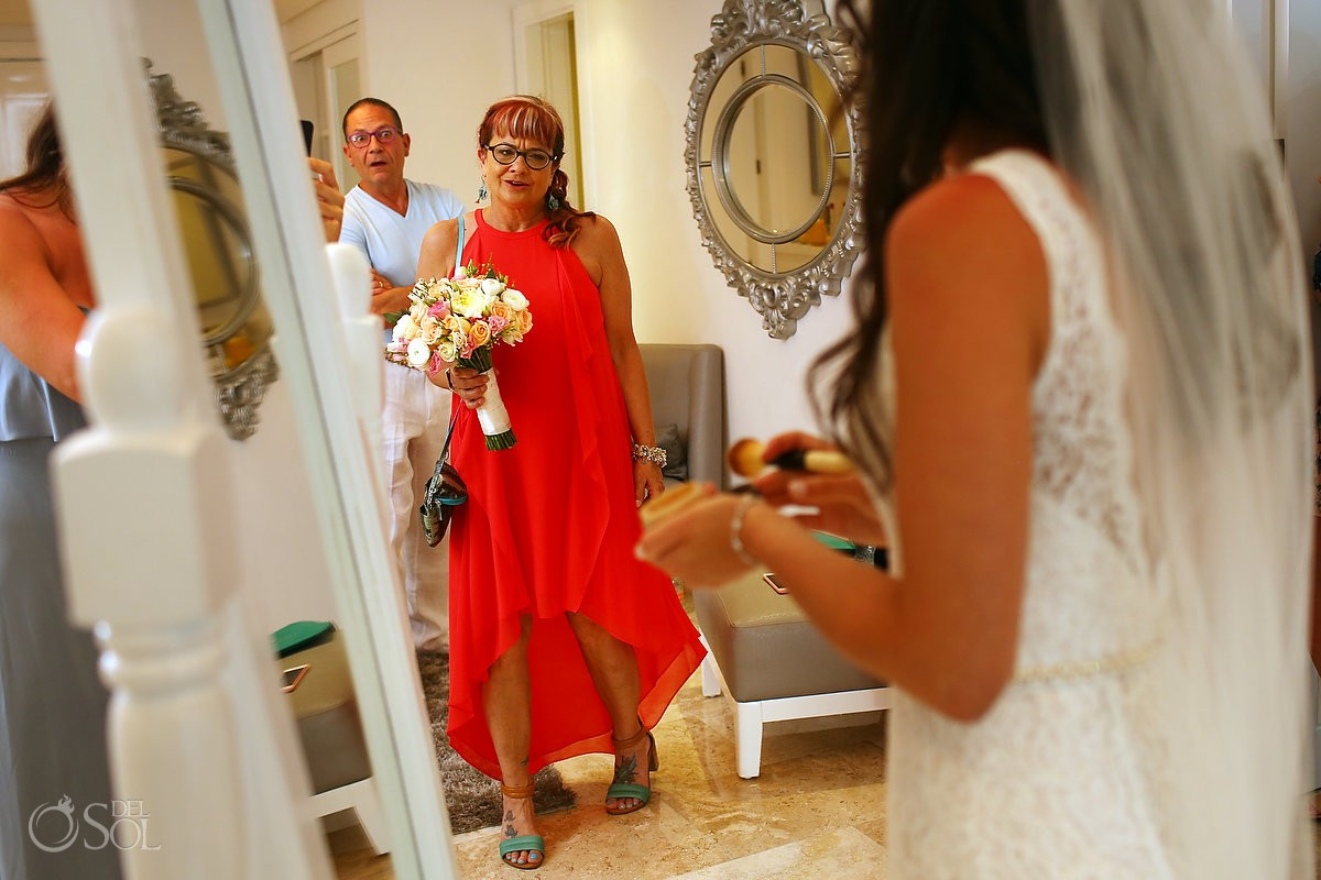 proud mother bride holding bouquet getting ready bridal suite destination wedding Paradisus La Perla, Playa del Carmen Mexico