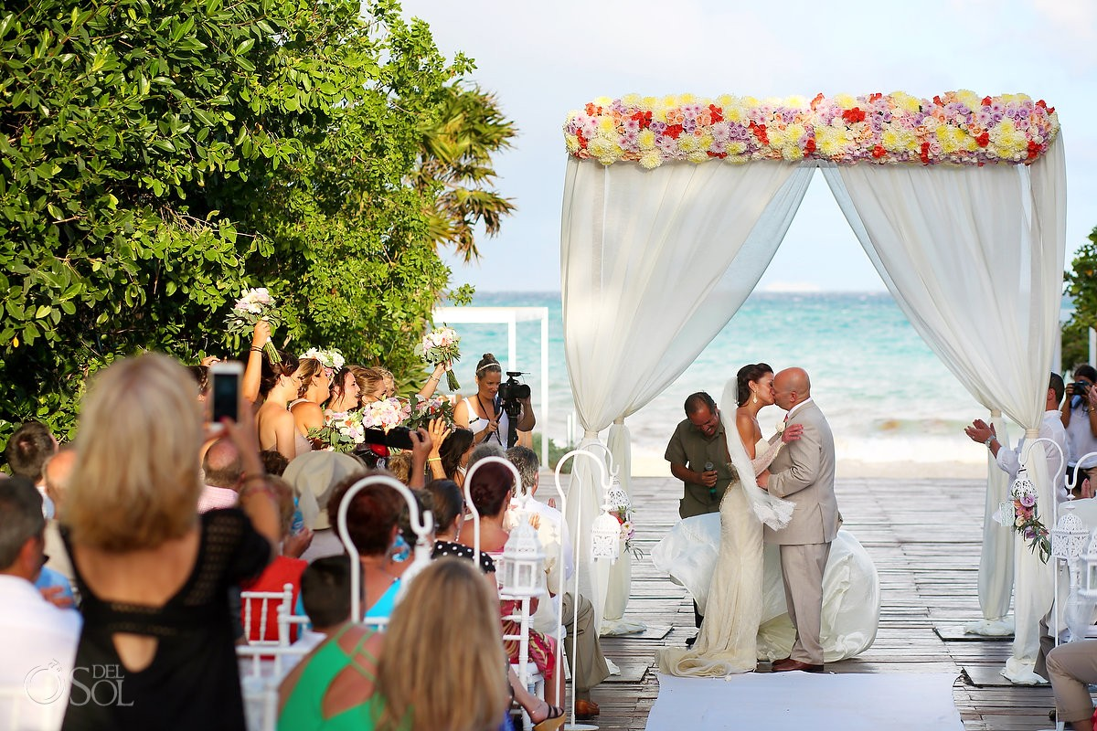 destination wedding first kiss at paradisus playa del carmen