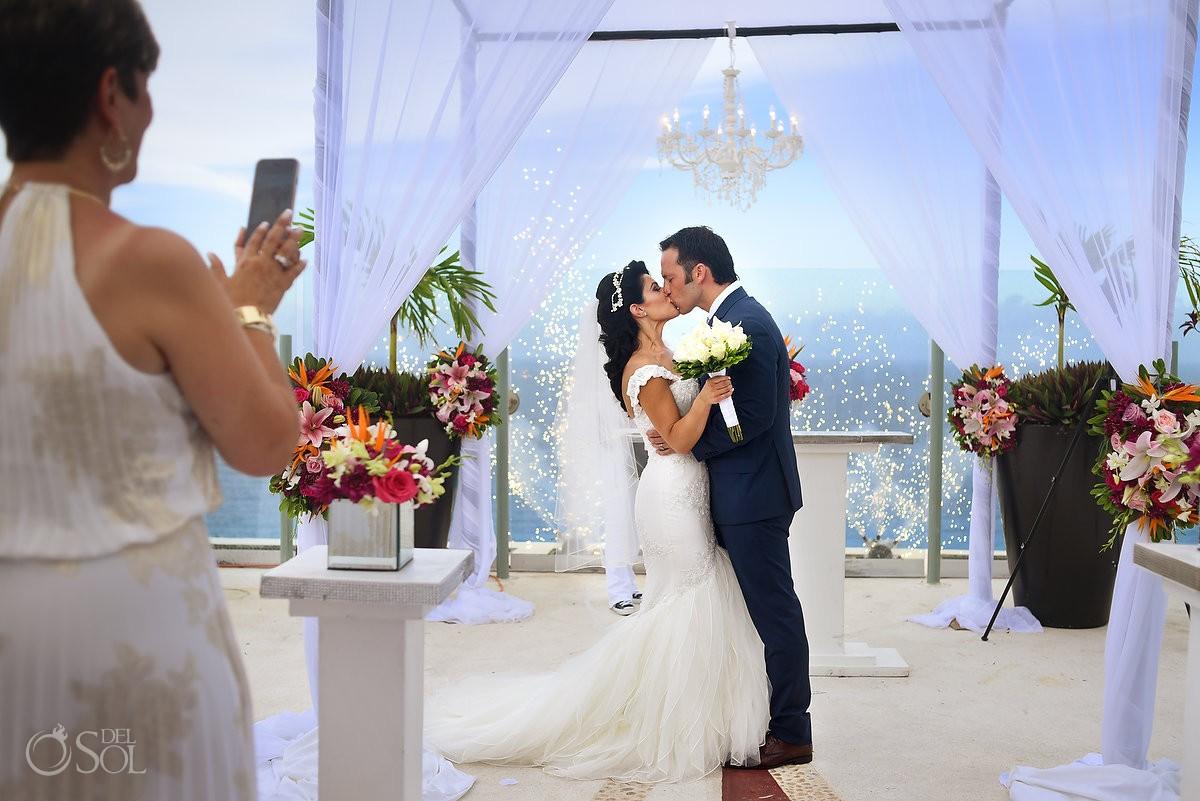 4th july destination wedding fireworks first kiss Beach Palace sky deck, Cancun, Mexico