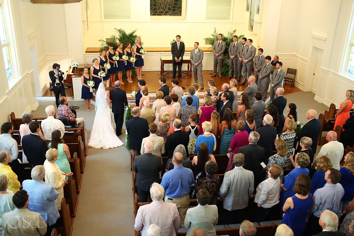 wedding processional at First Baptist St. Simons Church
