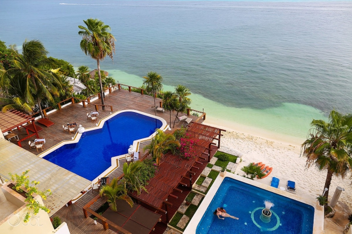 hydrotherapy massage Thalasso Pool boutique hotel Zoetry Villa Rolandi, Isla Mujeres travelforlove