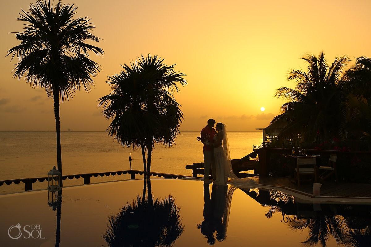 Incredible sunset wedding portrait reflection Zoetry Villa Rolandi Photographer, Isla Mujeres