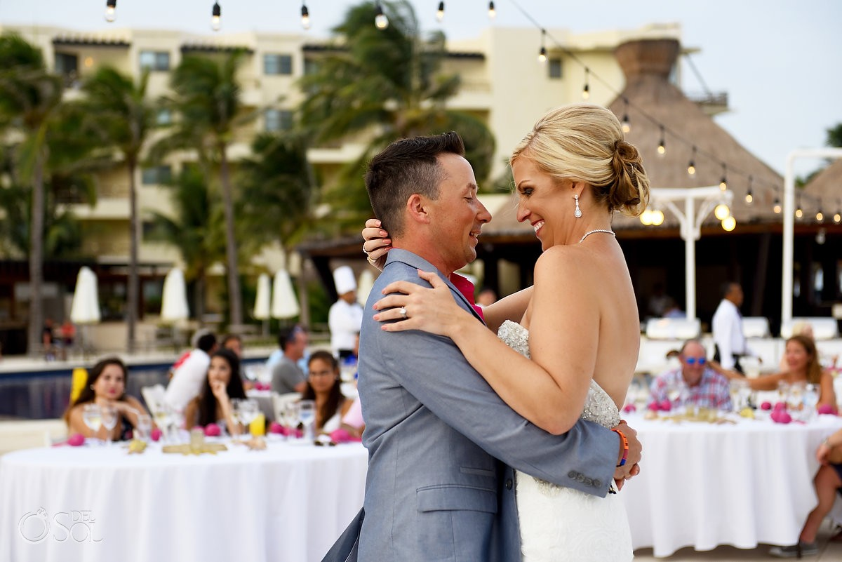 First dance bride and groom destination wedding Cancun, Mexico