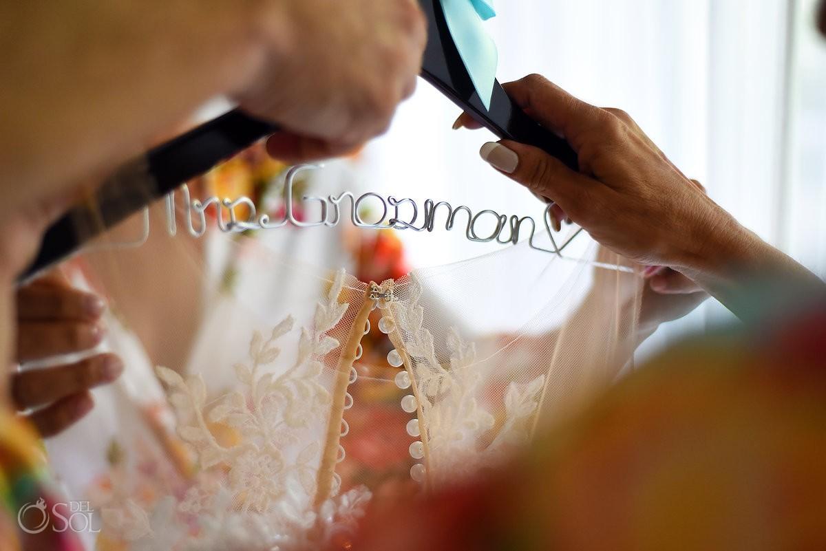 Cusom personalized bridal wedding hangers