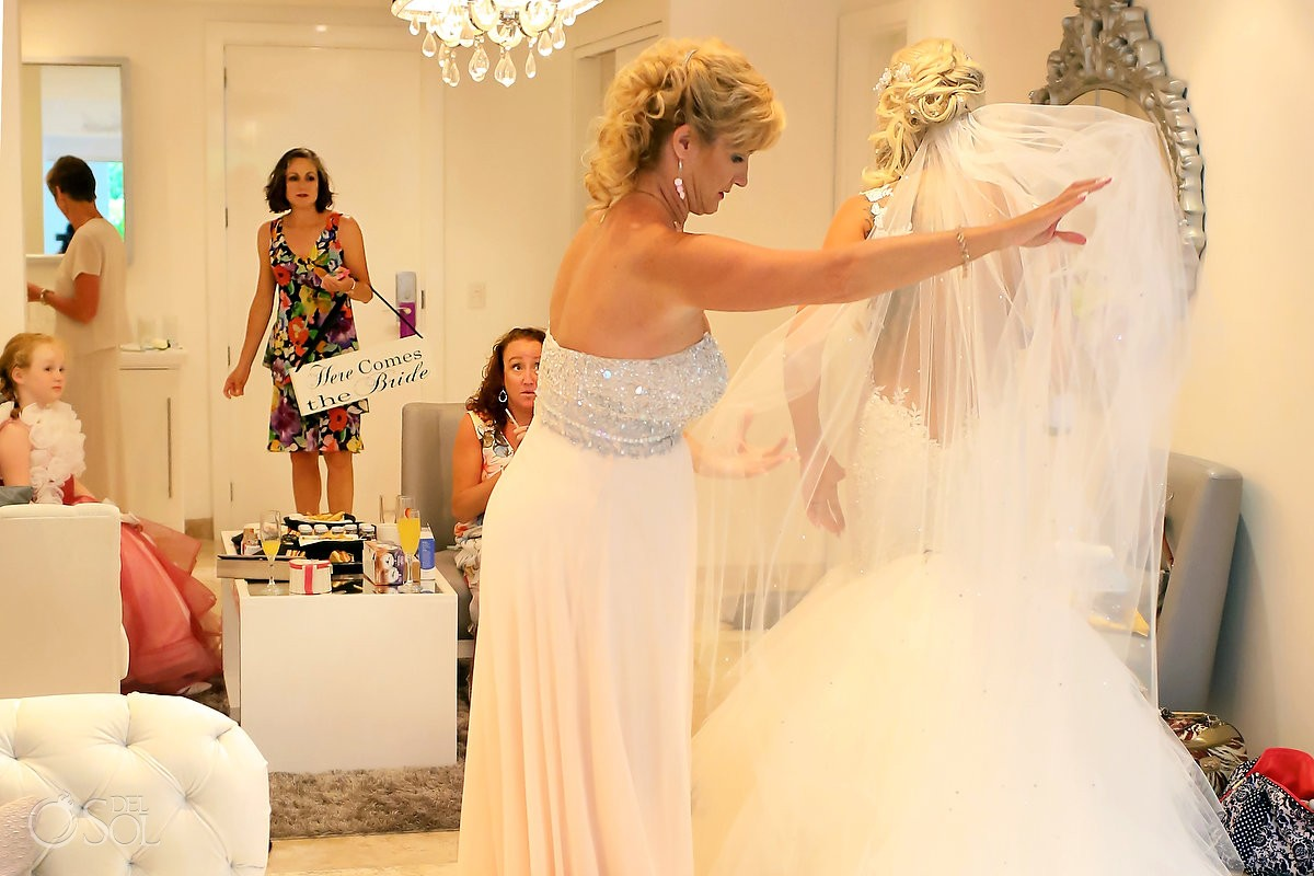Paradisus la Perla wedding with a hummingbird!