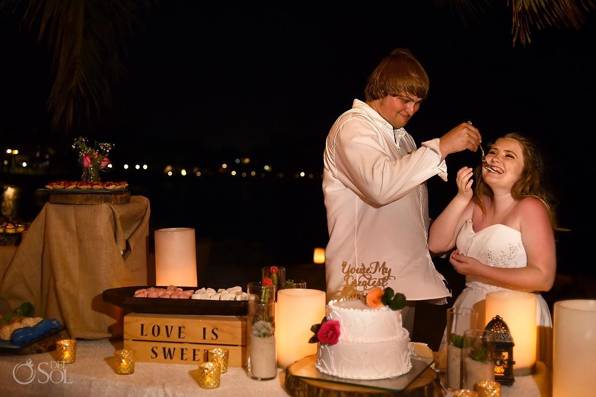 Cake cutting destination wedding reception, Dreams Puerto Aventuras North beach, Mexico