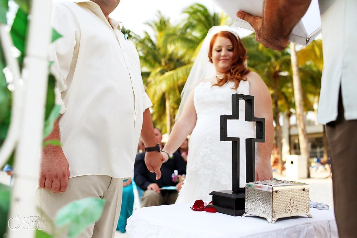 destination wedding ceremony ideas unity cross Riu Palace Riviera Maya