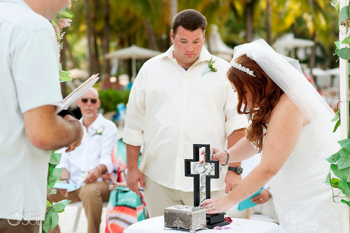 5 Alternative Wedding Unity Ceremony Ideas that are a lot of fun!