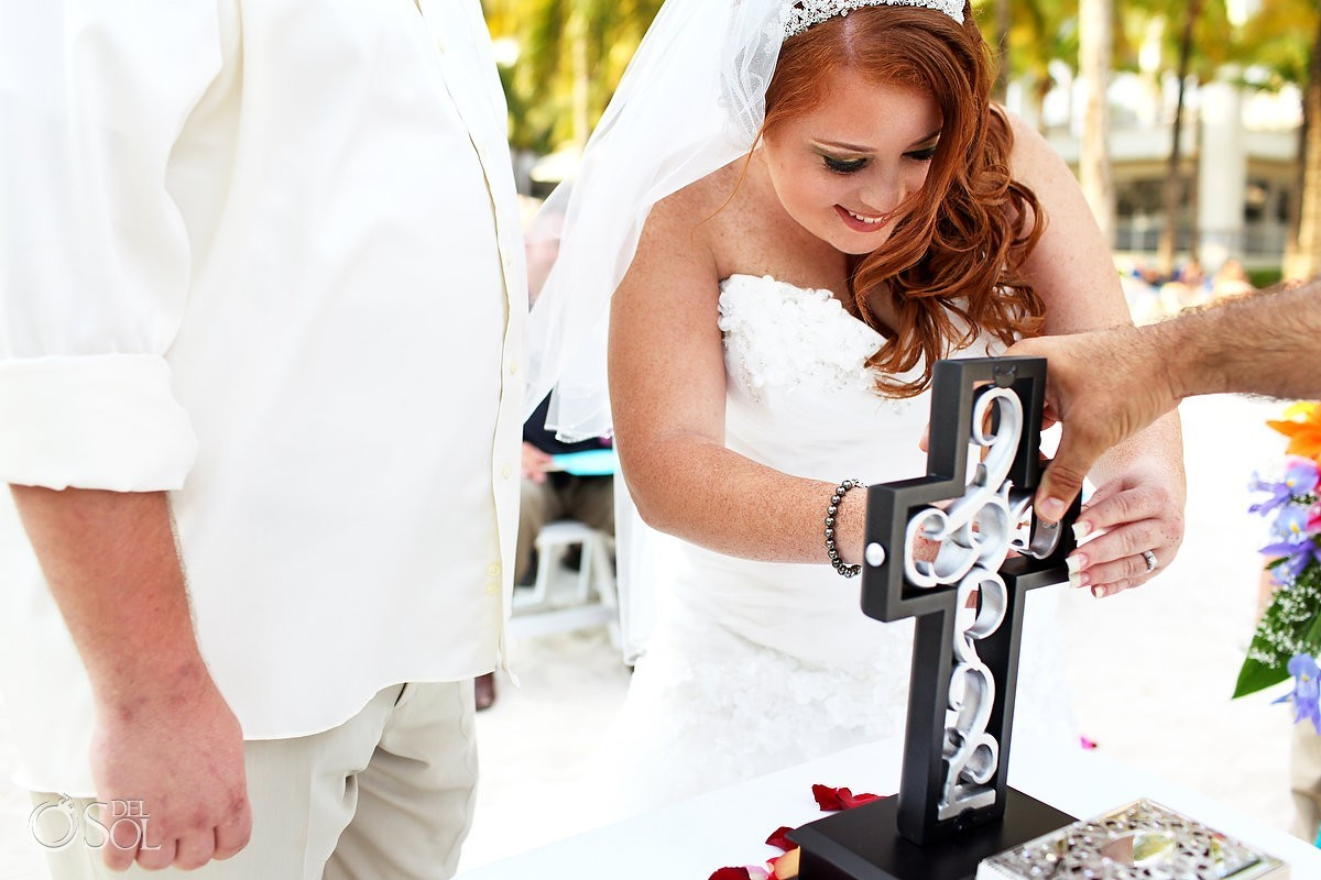 destination wedding ceremony ideas unity cross Riu Palace Riviera Maya