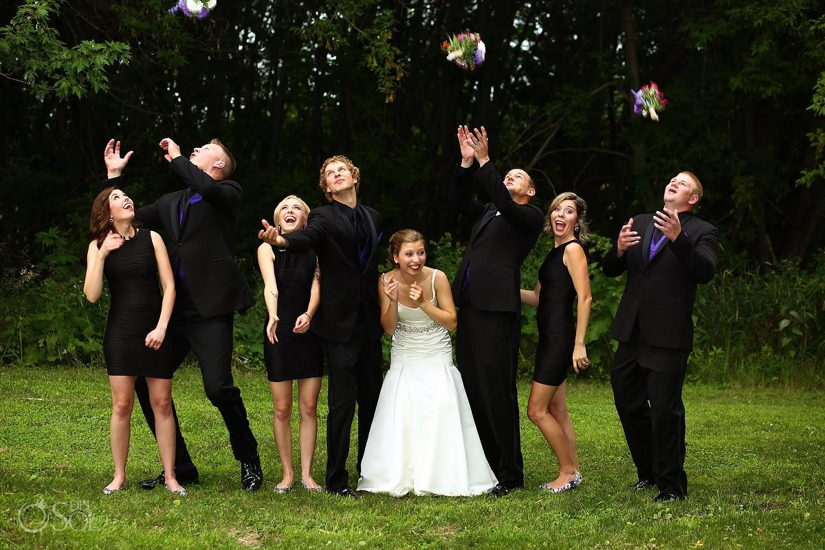 bridal party photograph at Bloom Lake Barn, Shafer, Minnesota