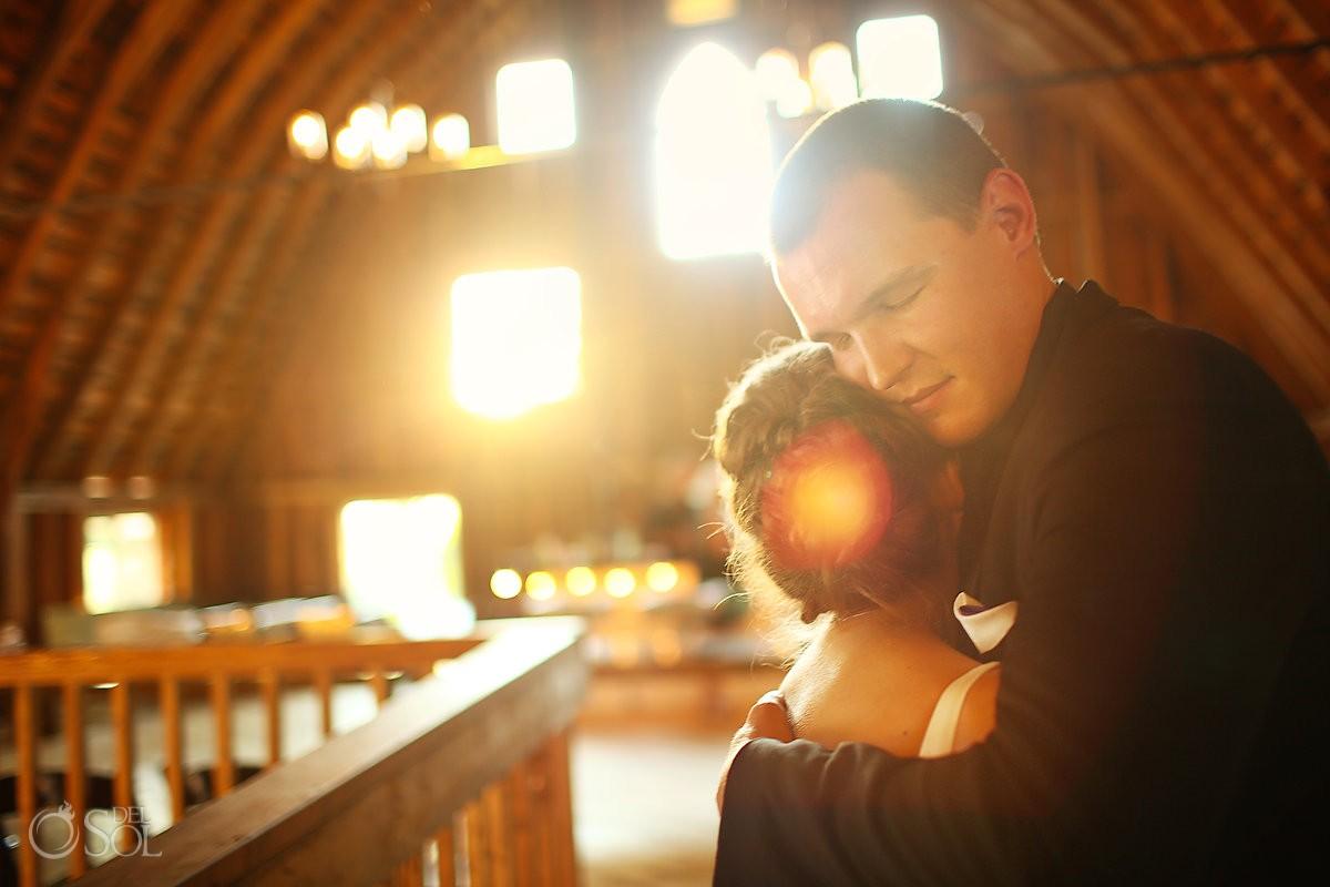 bride and groom photo at bloom lake barn