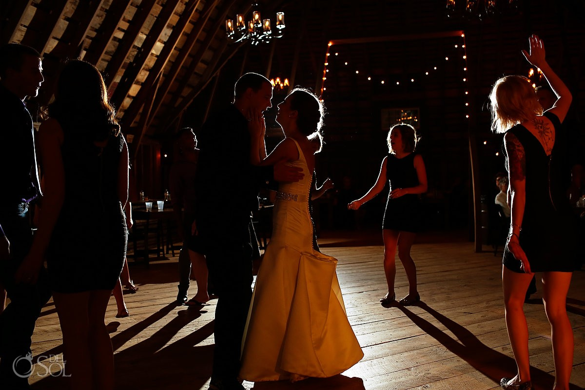 wedding reception bloom lake barn