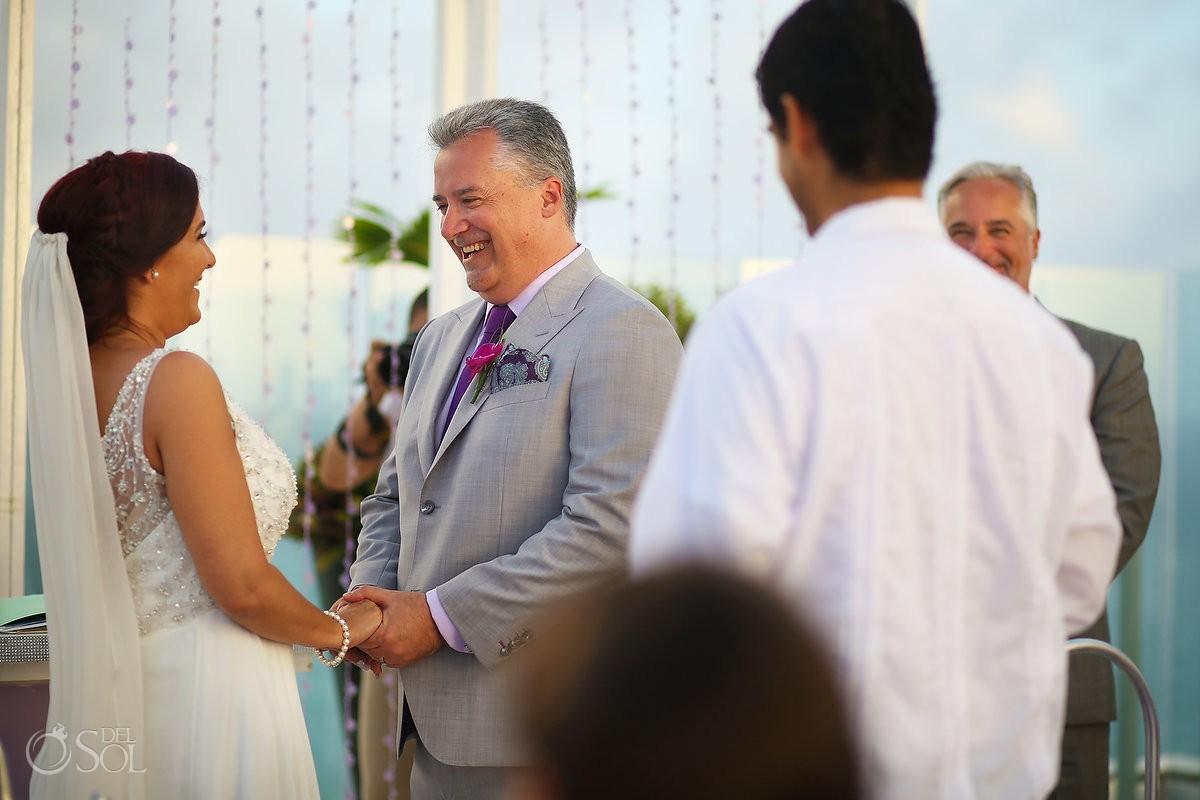 fun wedding moments, destination Beach Palace, Cancun, Mexico.