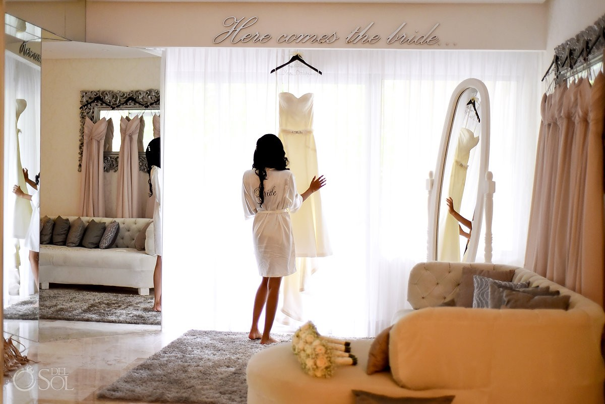 bride getting ready , bridal suite Paradisus la Perla Playa del Carmen, Mexico