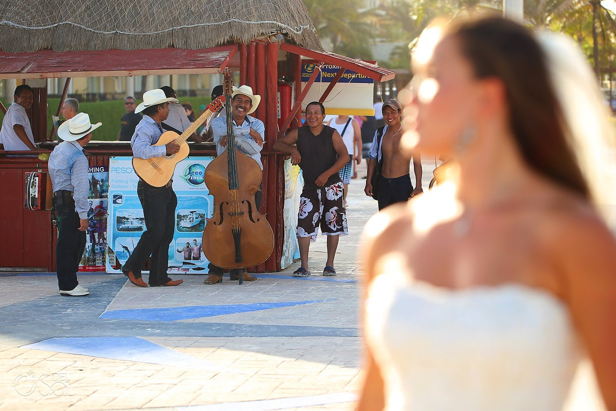photobomb mexican trio playa del carmen wedding