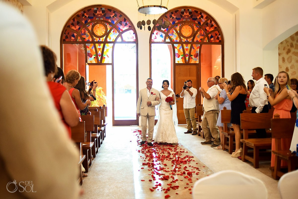 wedding processional Our Lady of Paradise wedding chapel