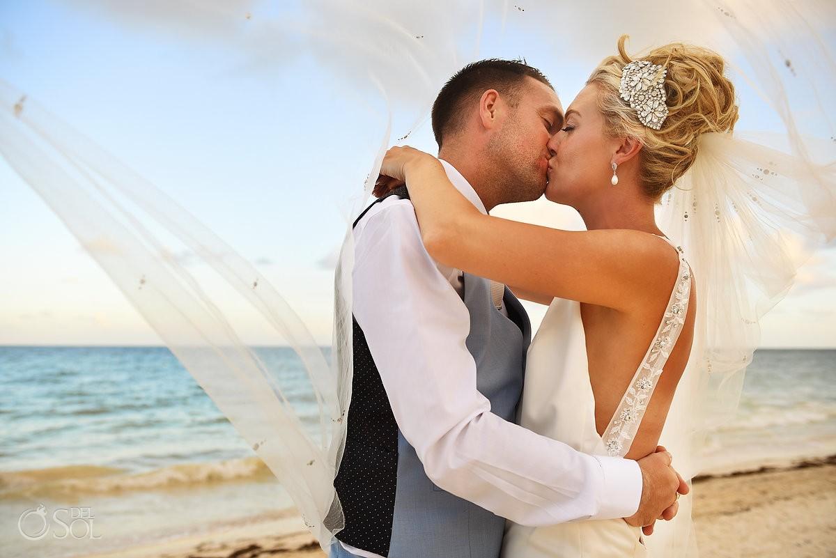 destination wedding beach portrait Ocean Coral & Turquesa