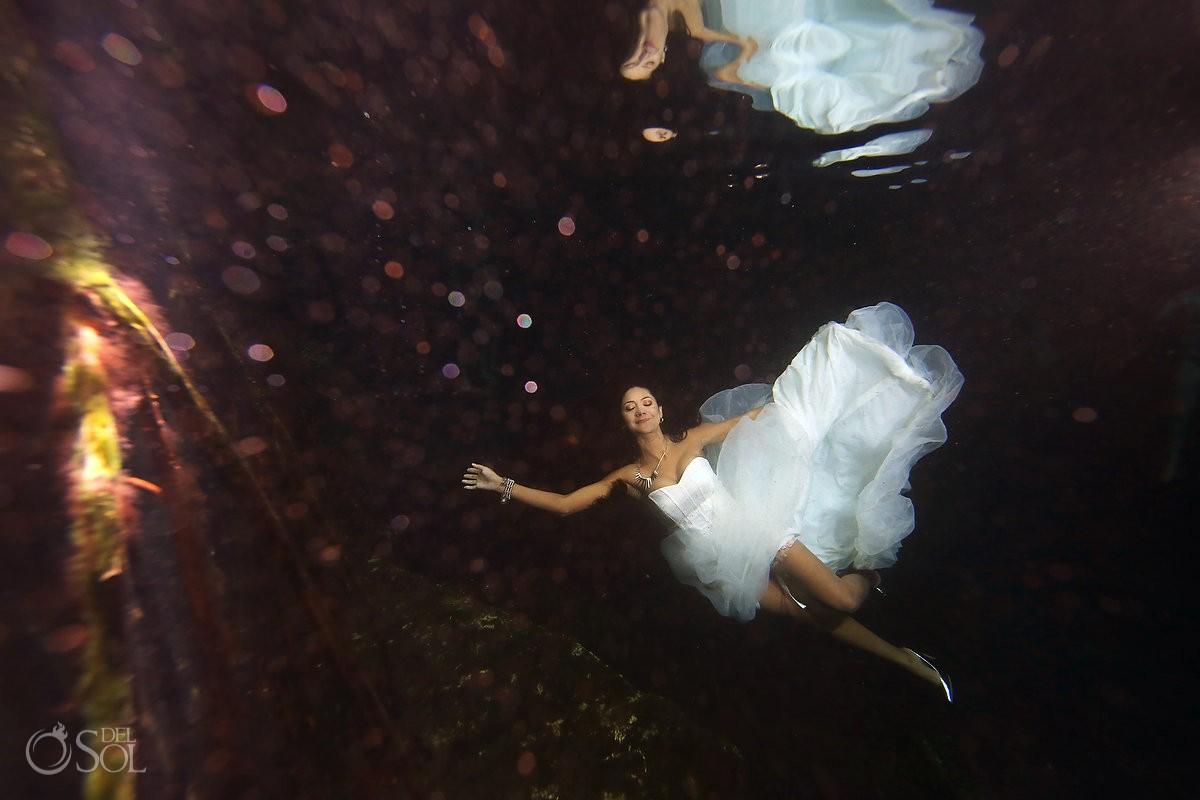 Novia bajo el agua