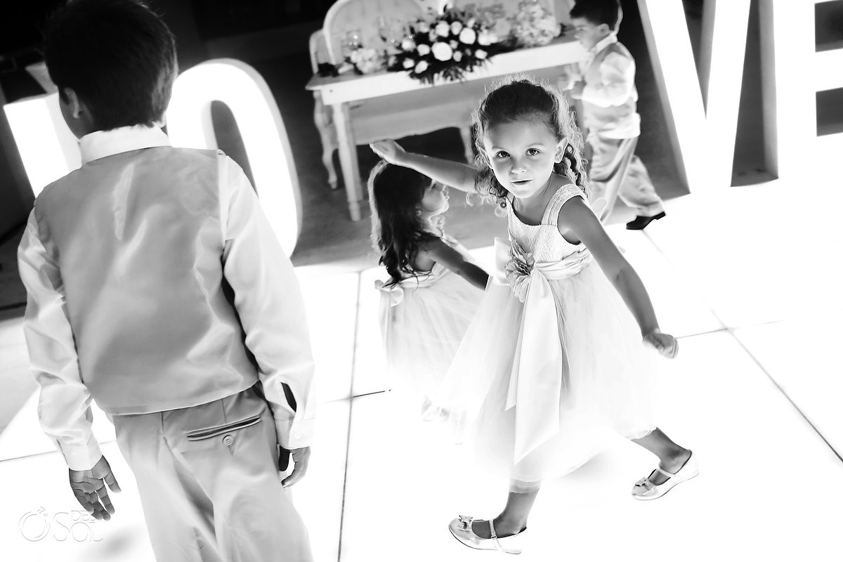 Hyatt Ziva Cancun Wedding Photography children dancing