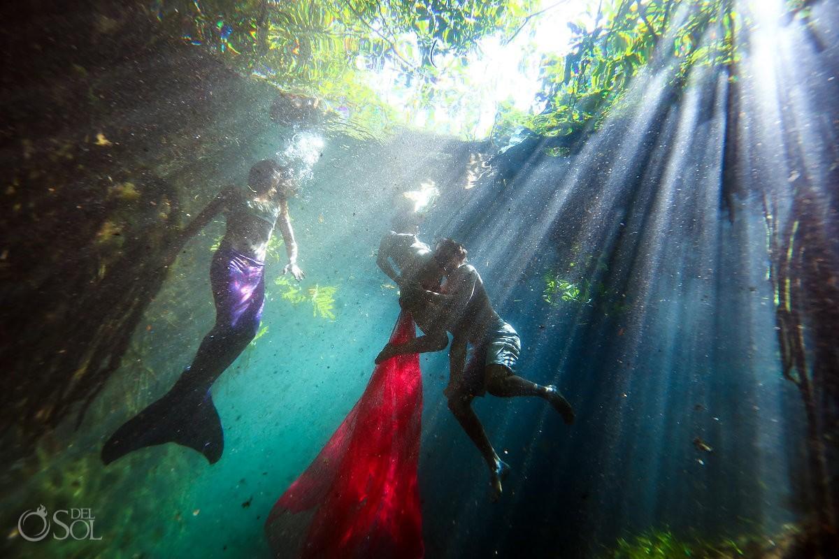 underwater pregnancy cenote photographs family photo mermaid tail