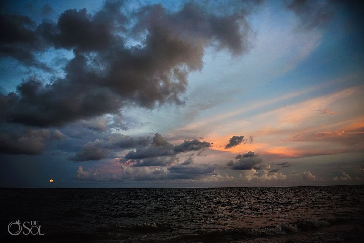 Amazing skies fullmoon #cloudporn sunset destination wedding portrait destination wedding Now Sapphire beach, Mexico