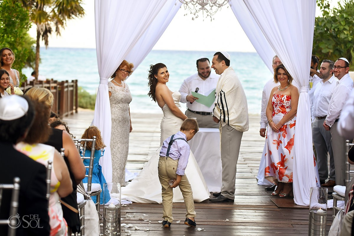 funny wedding photo ring bearer photobombs Jewish ceremony Gabi Bridge Paradisus Riviera Maya