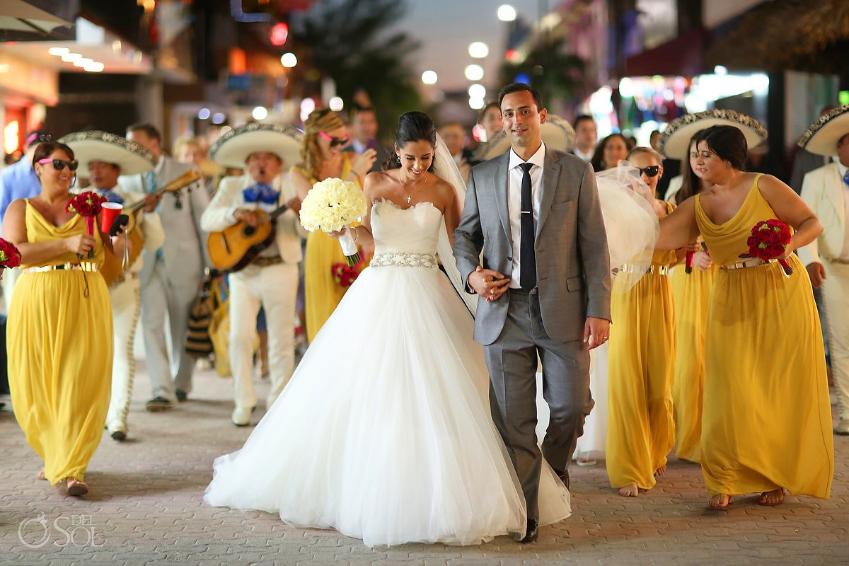 This is a bride and groom Playa del Carmen wedding on 5th avenue