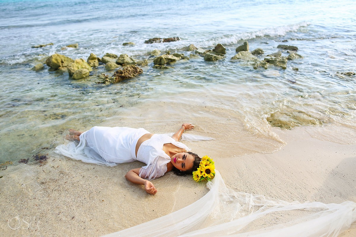 Creative Beach trash the dress bride portrait Playa del Carmen México.