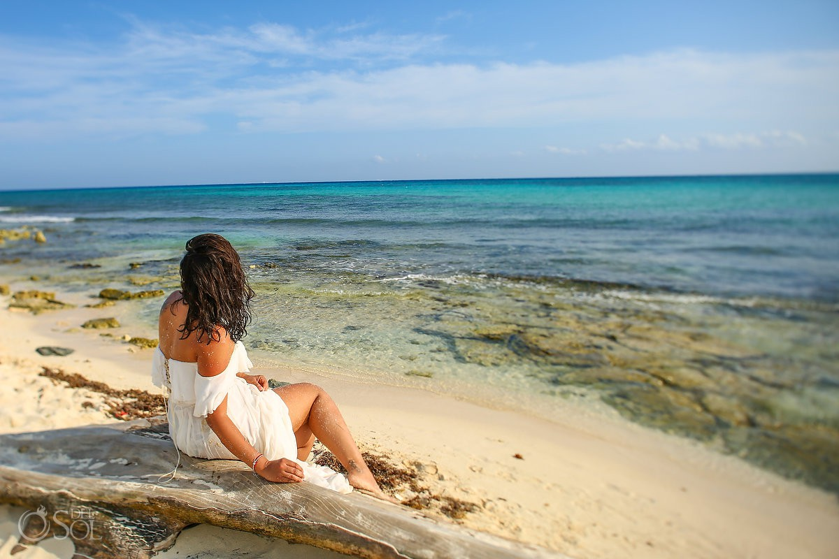 beautiful landscape bride beach trash the dress Playa del Carmen México.