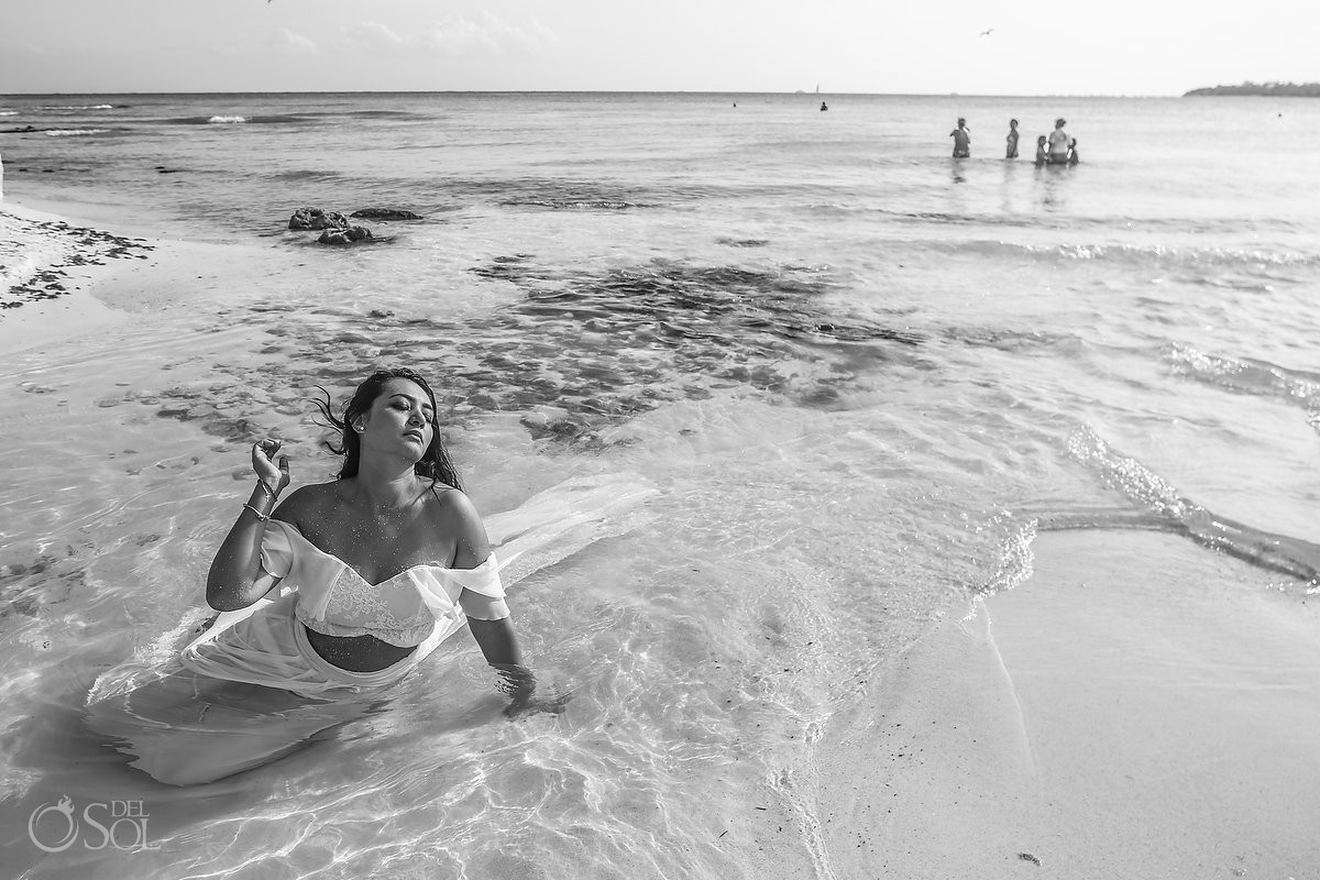 Artistic black and white bride portrait Playa del Carmen beach México.