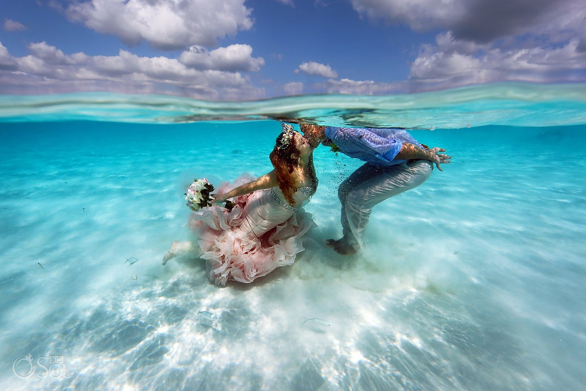 Underwater wedding el Cielo Cozumel Mexico