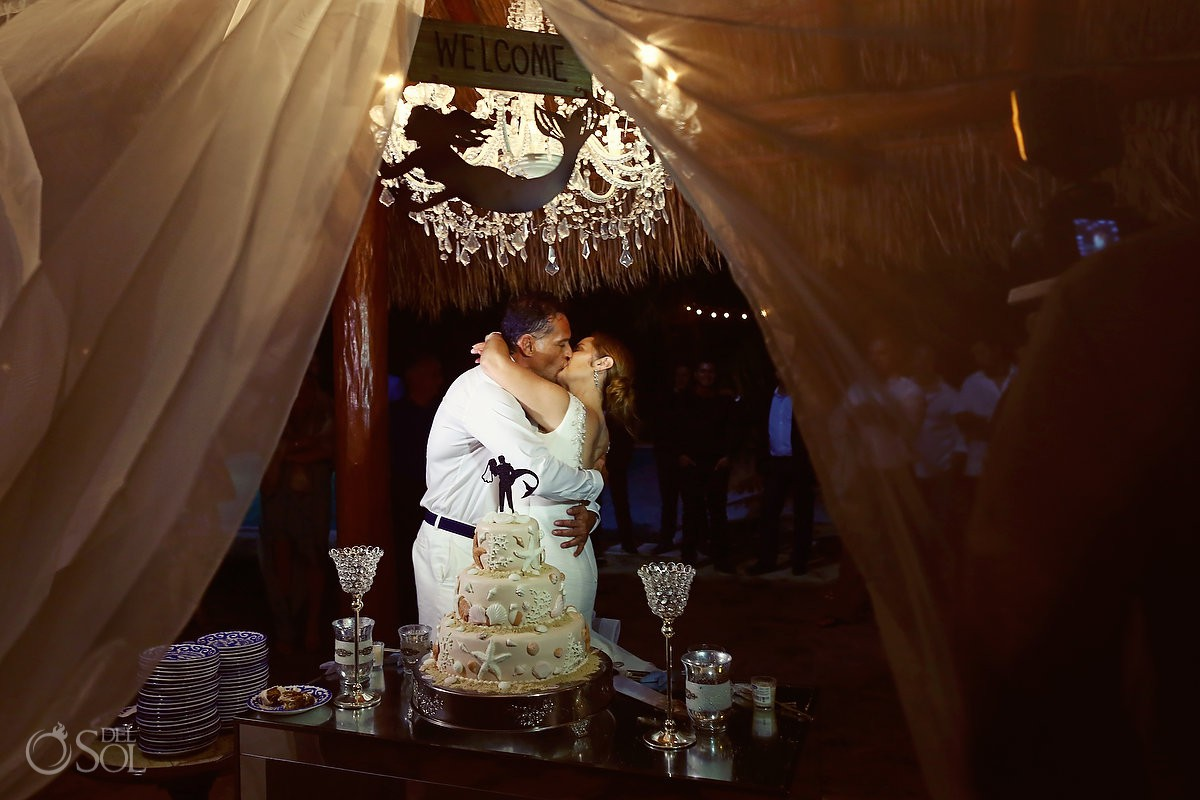 Destination wedding kiss cake time Cozumel Mexico