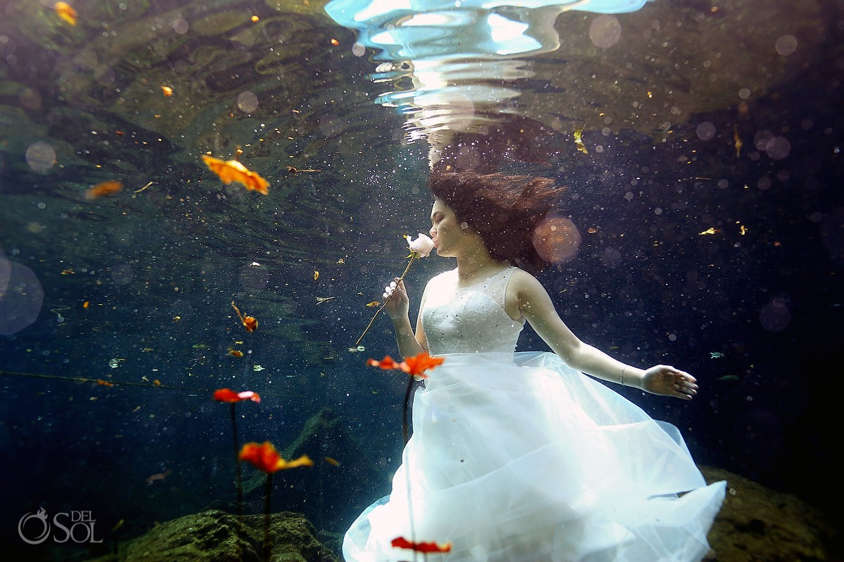 #Aworldofitsown Underwater Bride cenote trash the dress