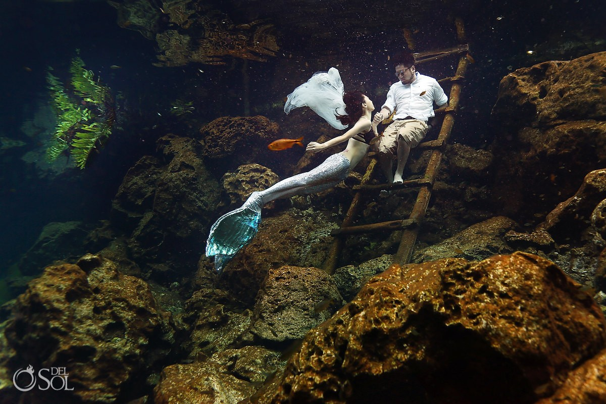 What to wear mermaid tail Trash the Dress - The perfect underwater photo