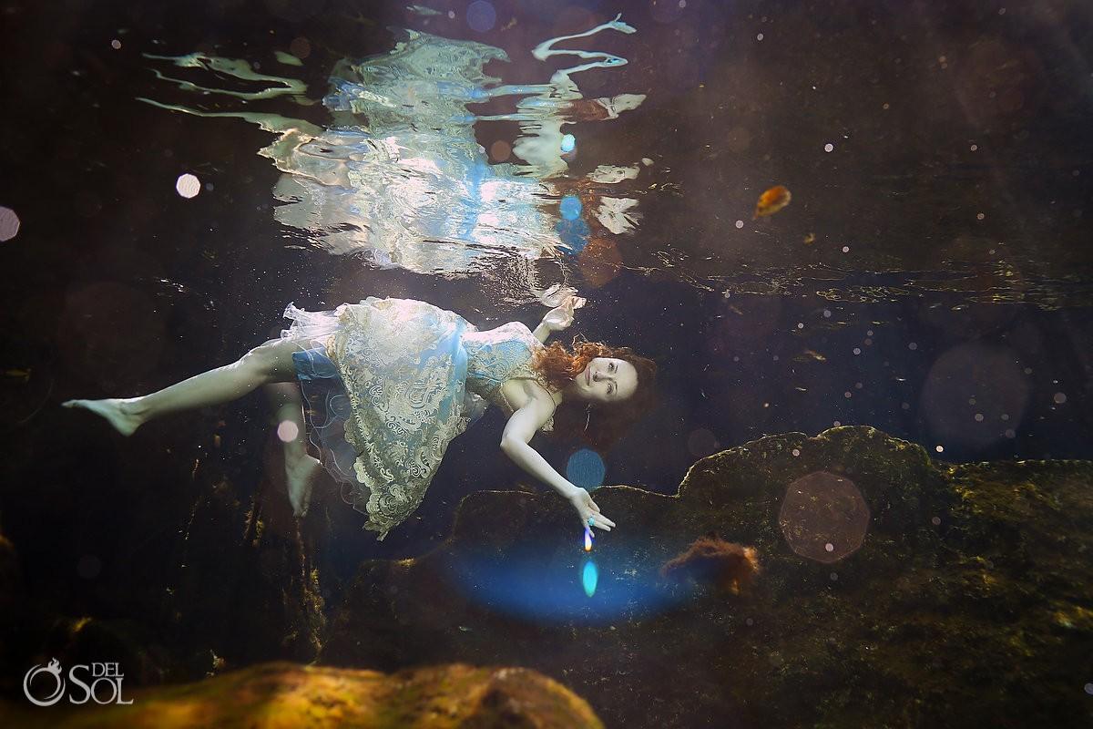 vintage beauty alice in wonderland underwater art photography