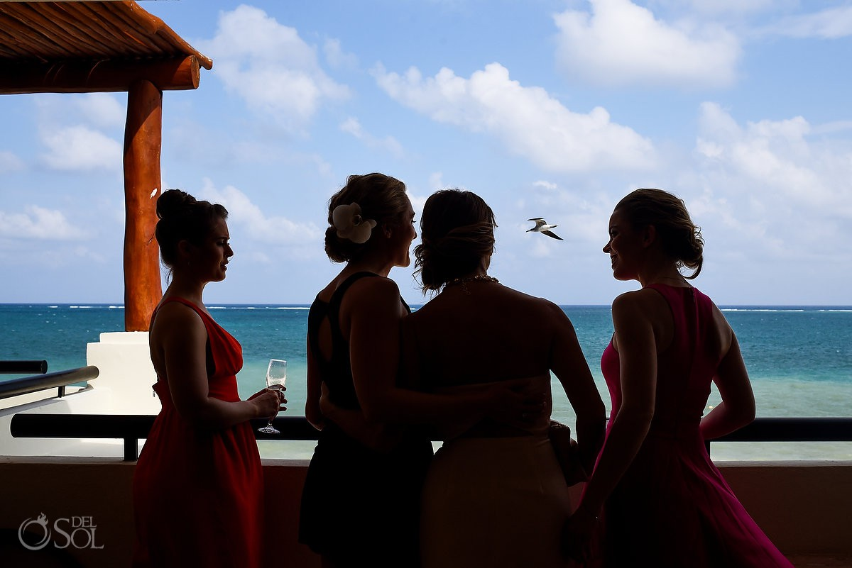 Artistic bridesmaids silhouette destination wedding Now Sapphire Puerto Morelos México