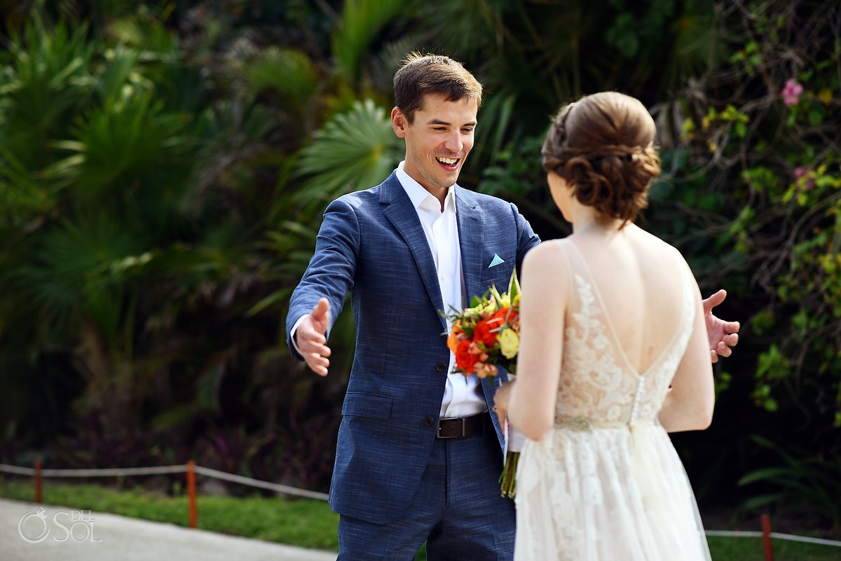 Riviera Cancun Wedding First Look Amazed Groom Now Sapphire