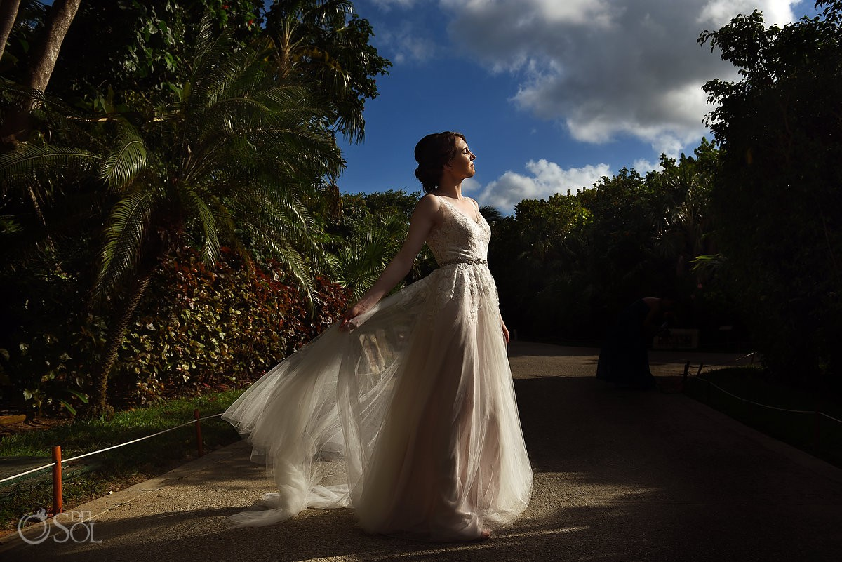 Riviera Cancun Wedding Bride Sun Natural Light Now Sapphire