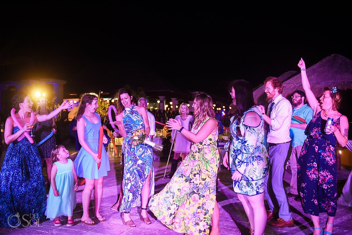 Riviera Cancun Wedding Bouquet Toss Now Sapphire