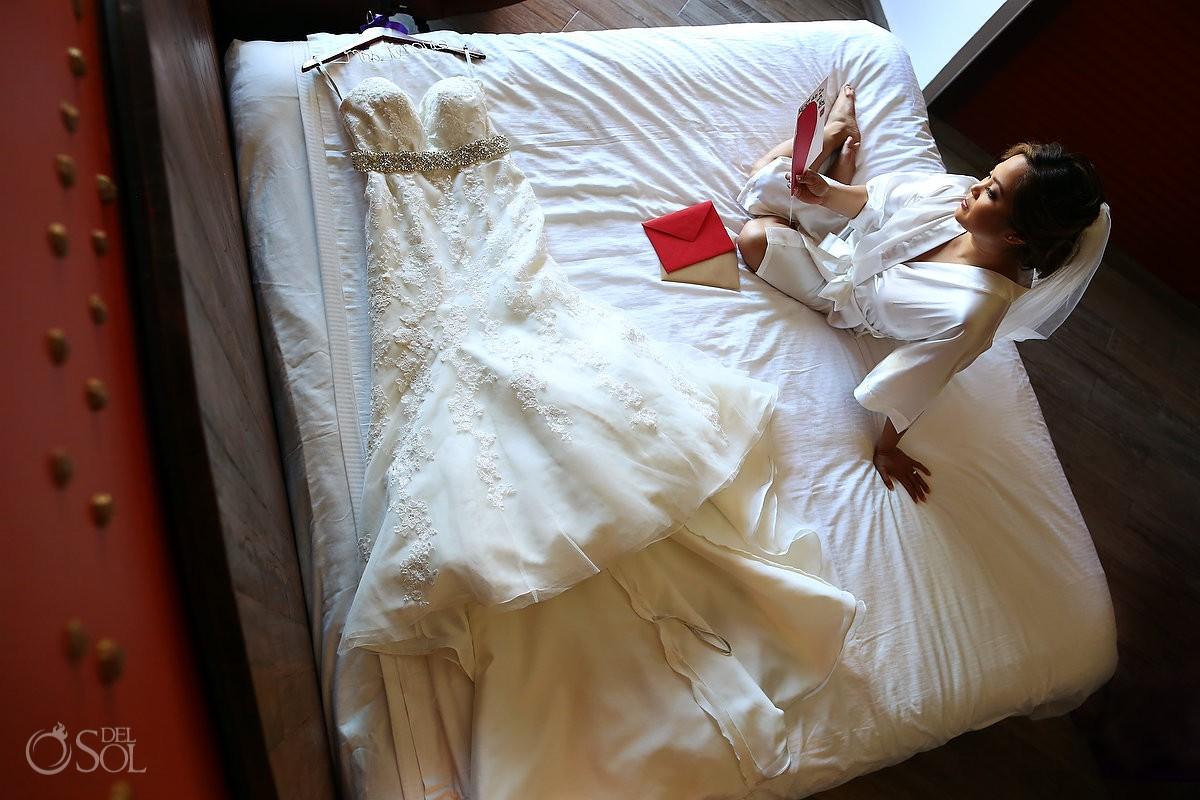 Bride wedding dress getting ready moment Wedding Hard Rock Hotel Riviera Maya Mexico