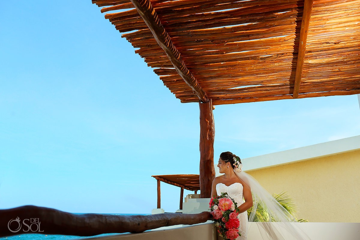 Bride getting ready Wedding Now Sapphire Riviera Cancun Riviera Maya Mexico