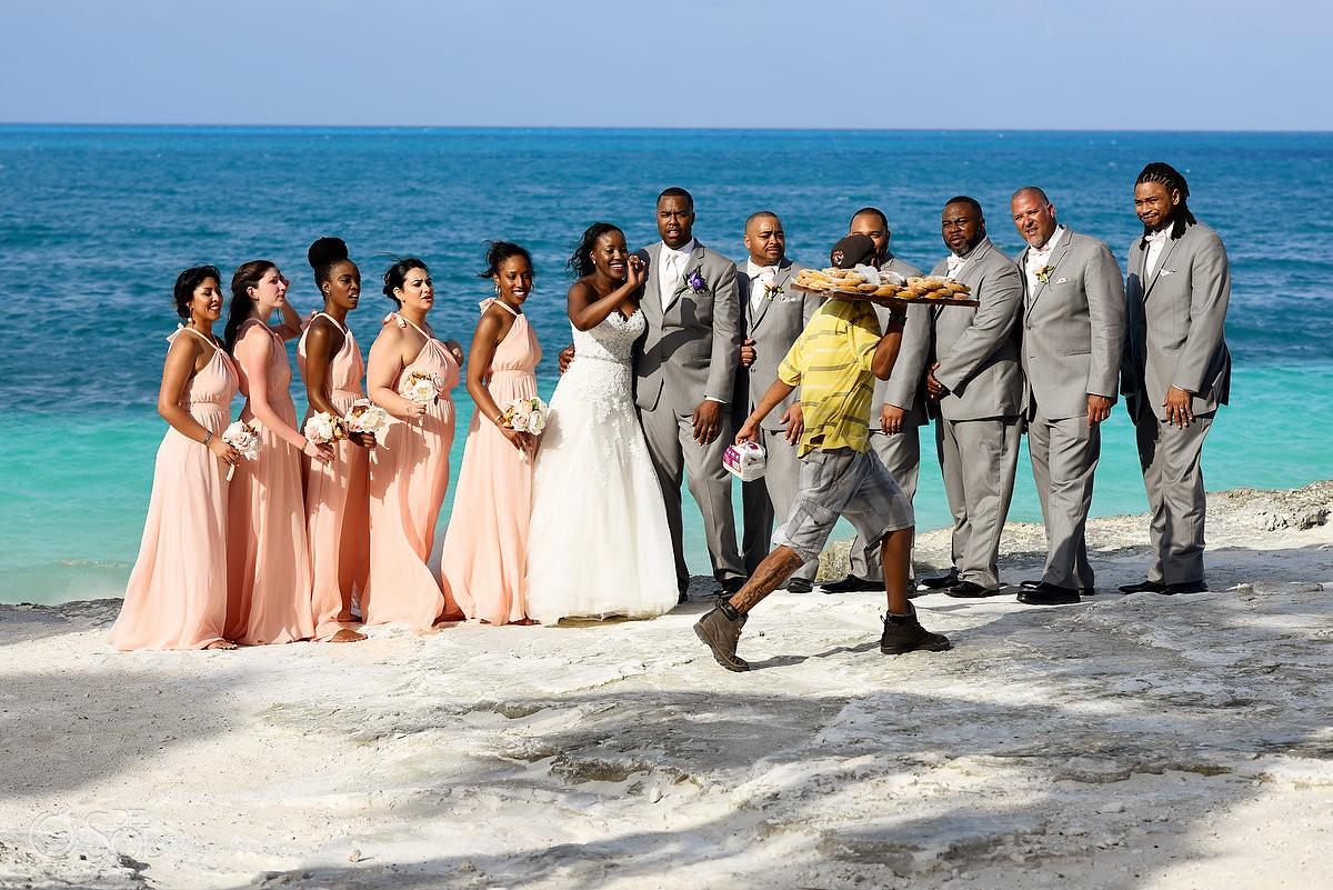 funny wedding photo photobomb Wedding at Riu Palace Peninsula