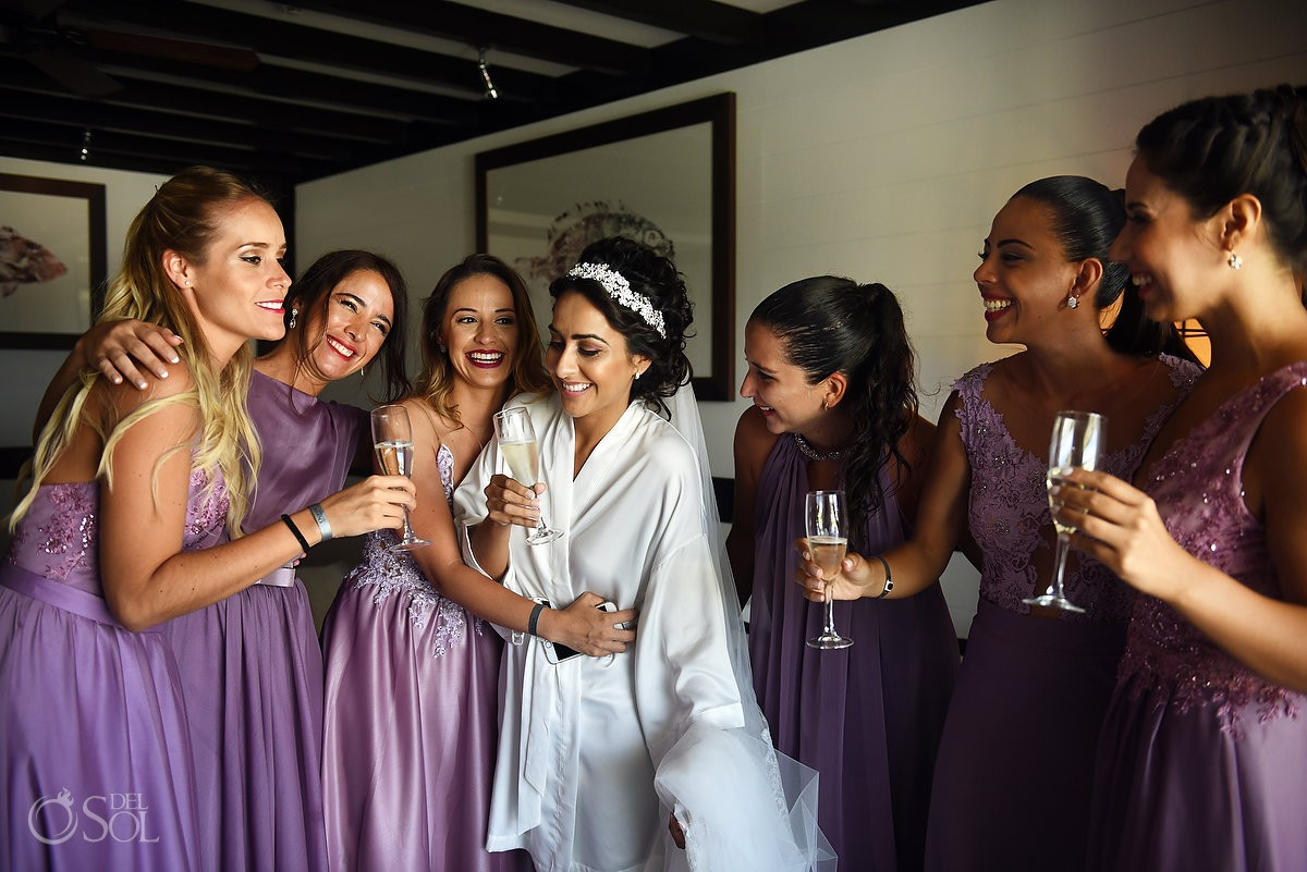 brindis novia y damas de honor, Bride and bridesmaids toast Ocean Paradise Riviera Maya Mexico