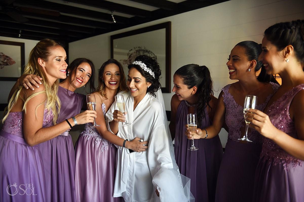 brindis novia y damas de honor, Bride and bridesmaids toast Ocean Paradise Riviera Maya Mexico