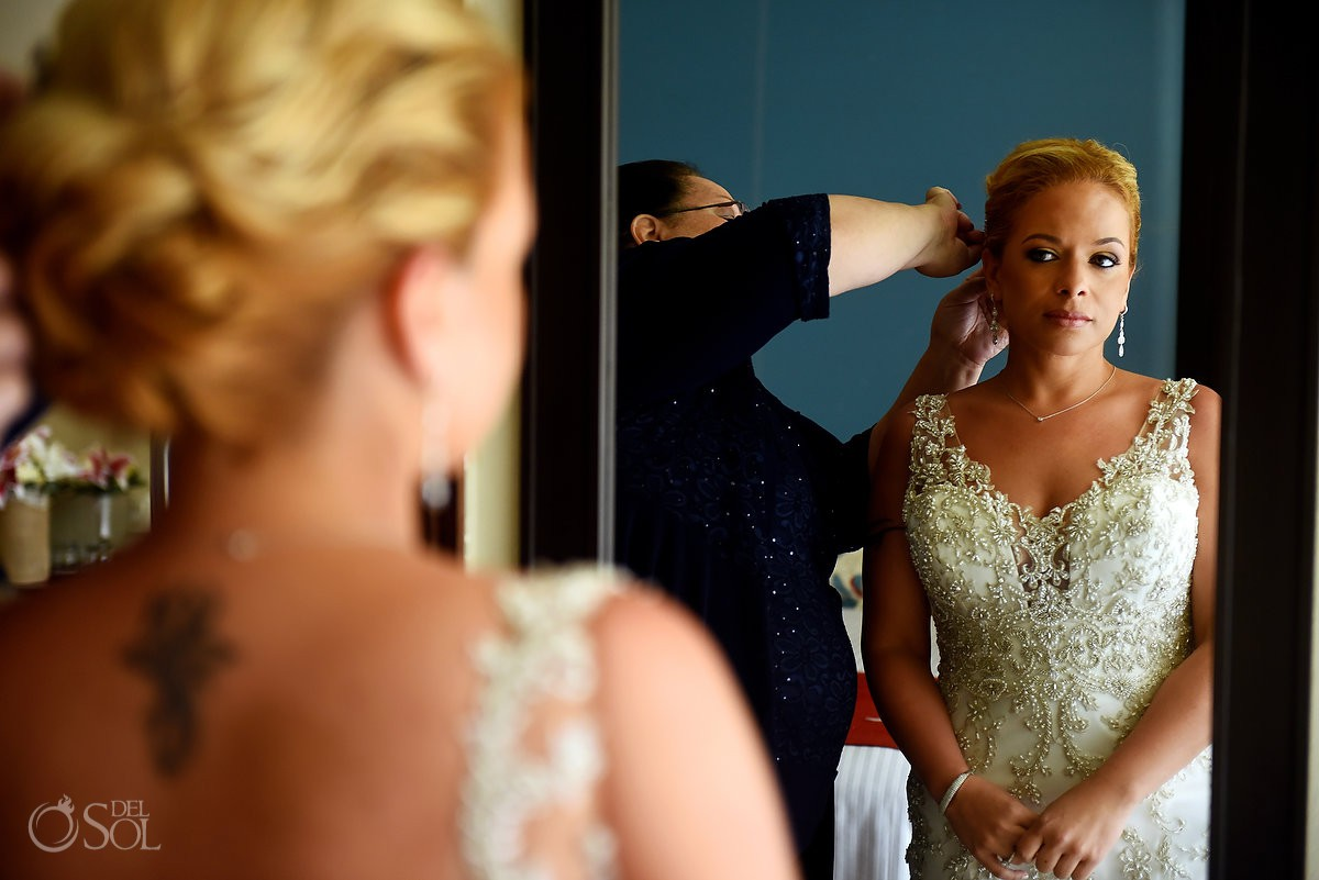 bride in the mirror getting ready Now Jade Riviera Cancun Puerto Morelos Destination wedding