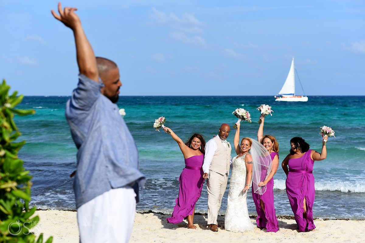 bride's brother photobombs wedding party formal photos Now Jade Riviera Cancun Puerto Morelos Destination wedding