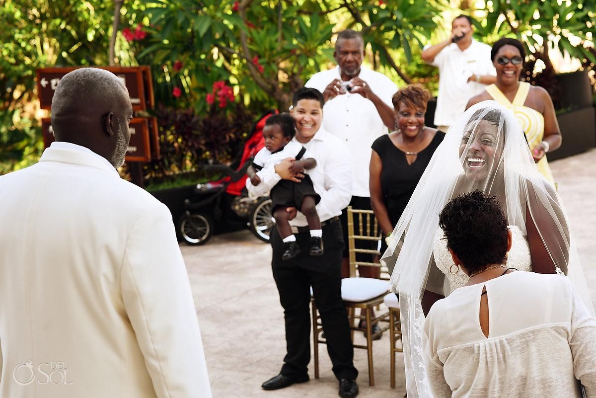 Fun wedding moments Dreams Riviera Cancun Resort, Mexico