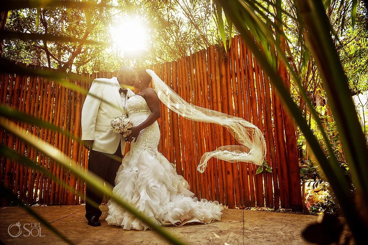 Brde and groom Romantic portrait creative light Dreams Riviera Cancun Resort, Mexico