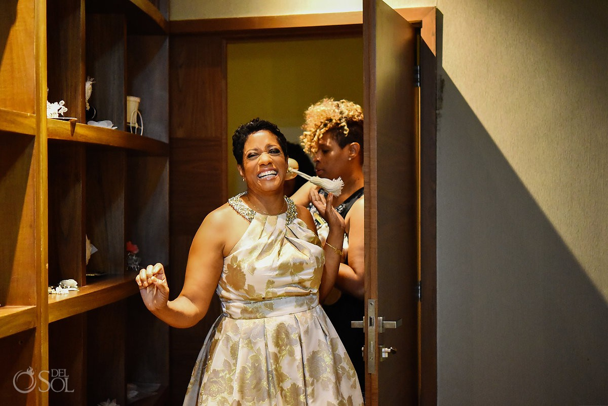 mother of the bride arriving in the bridal suite destination wedding getting ready Hyatt Ziva Cancun México